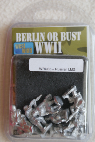 Westwind 28mm WRUS-06 Russian Infantry with LMG's